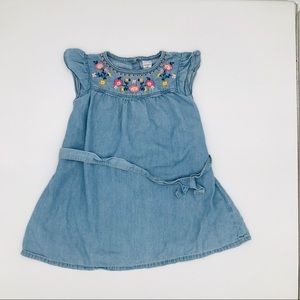 👧🏼Carters embroidered sleeveless jean dress SZ3T
